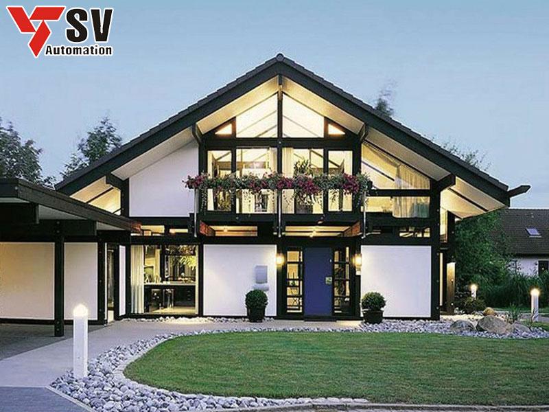 Mẫu nhà thép tiền chế mái tam giác cổ điển phù hợp cho những gia đình yêu thích sự đơn giản mà vẫn giữ được những nét tự nhiên của kiến trúc