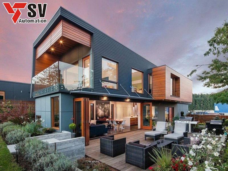 Mẫu nhà thép tiền chế dân dụng hình hộp được trang trí ngoại thất hoành tráng giúp gia tăng tính thẩm mỹ cho tổng thể kiến trúc ngôi nhà của bạn