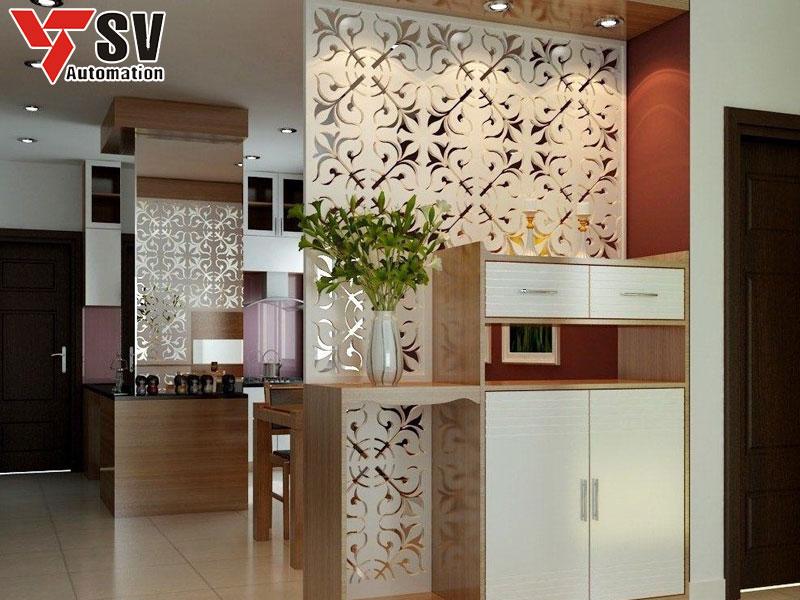 Mẫu vách ngăn Sắt được cắt bằng công nghệ Laser giúp tạo ra những đường nét mượt mà, được sơn phủ một lớp màu trắng, mẫu vách ngăn này dễ dàng phối hợp với các món nội thất khác trong nhà