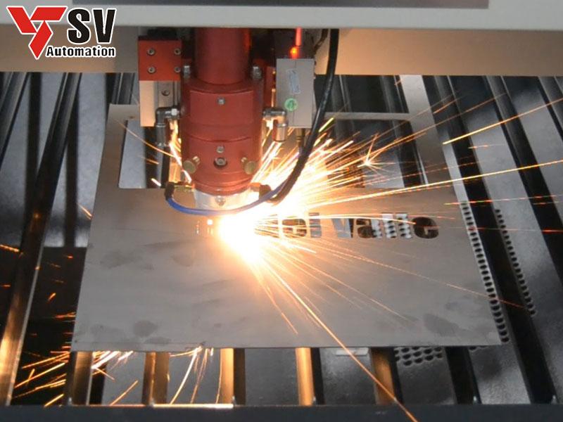 Chúng ta có thể khắc cả chữ và số lên Nhôm bằng phương pháp Laser