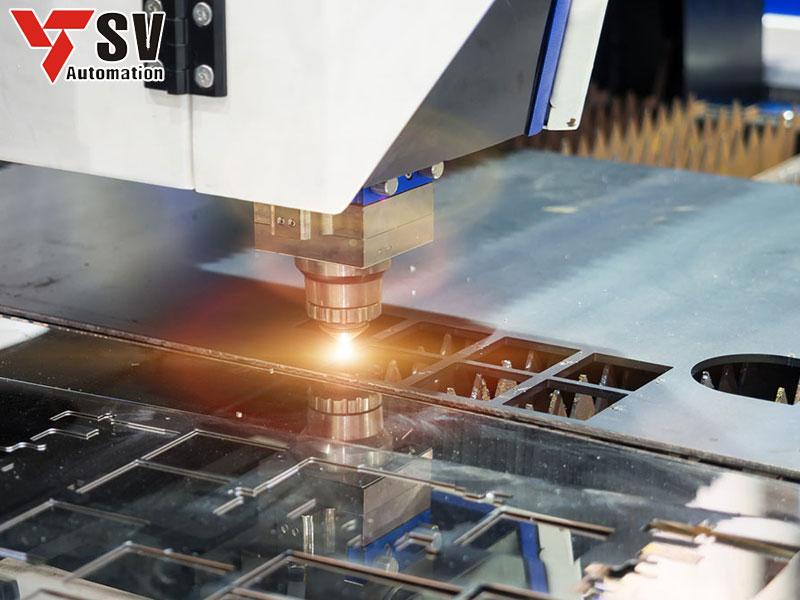 Cắt chữ nổi Inox muốn chính xác, đẹp thì chỉ có phương pháp gia công Laser CNC mới làm được