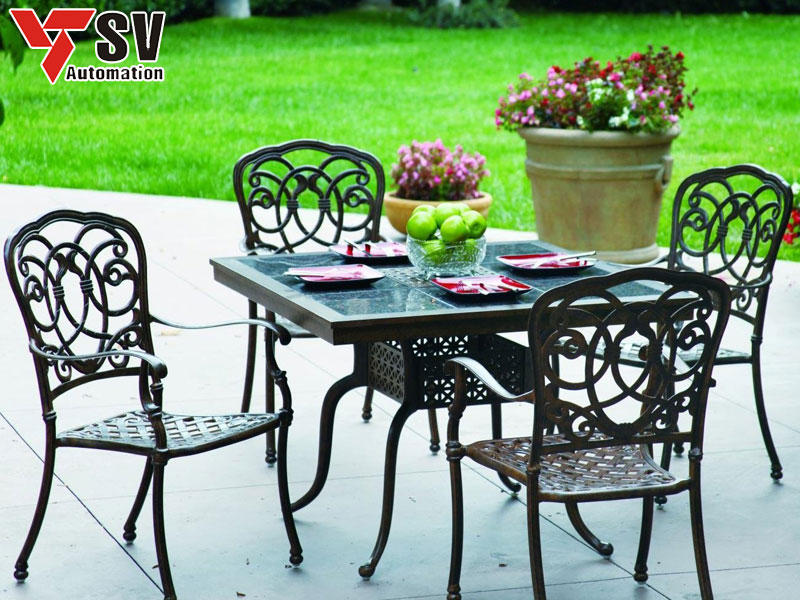 Mẫu bàn ghế sân vườn Sắt được cắt Laser theo xu hướng tân cổ điển