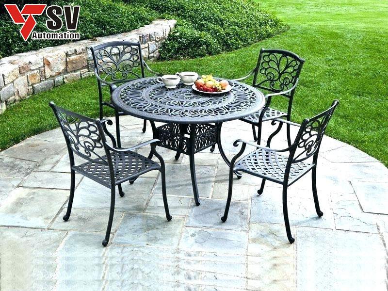 Mẫu bàn ghế sân vườn mang phong cách hiện đại