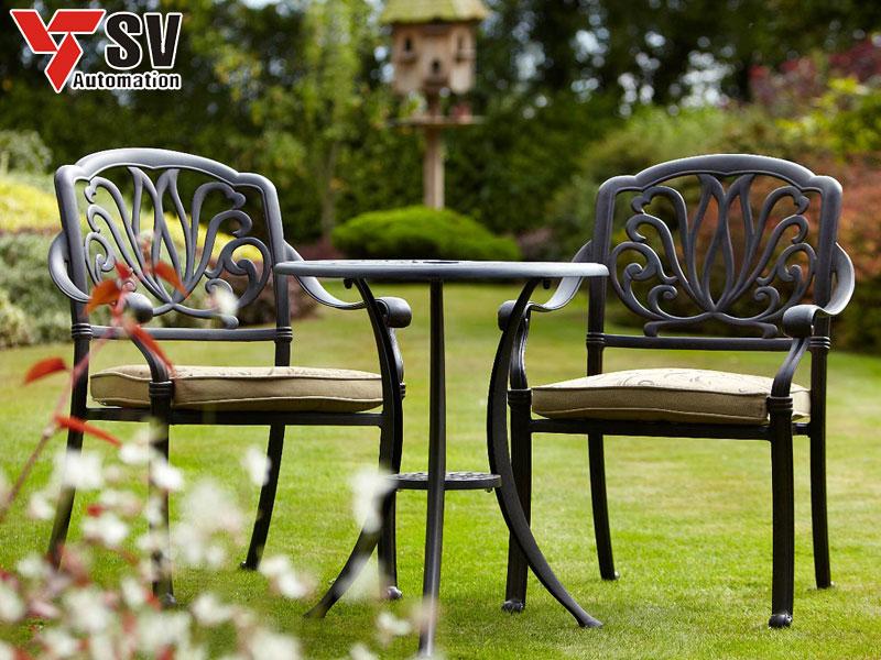 Bàn ghế sân vườn bằng Sắt được gia công Laser phù hợp với mọi nhu cầu sử dụng