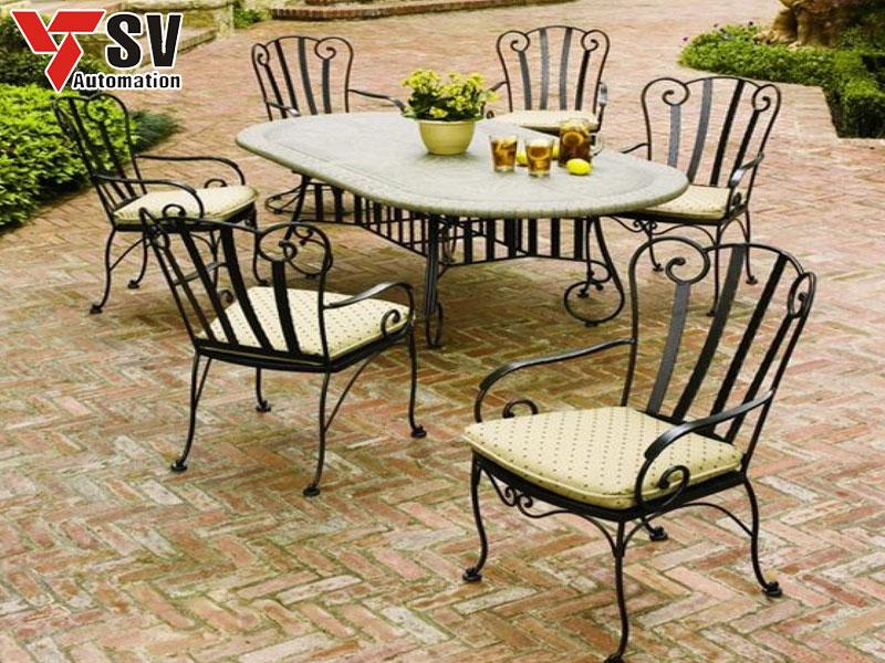 Mẫu bàn ghế sân vườn mang phong cách Châu Âu cổ điển
