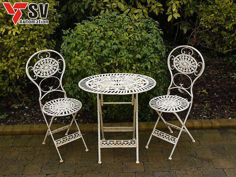 Mẫu bàn ghế sân vườn mang phong cách của nước Anh những năm xưa cũ