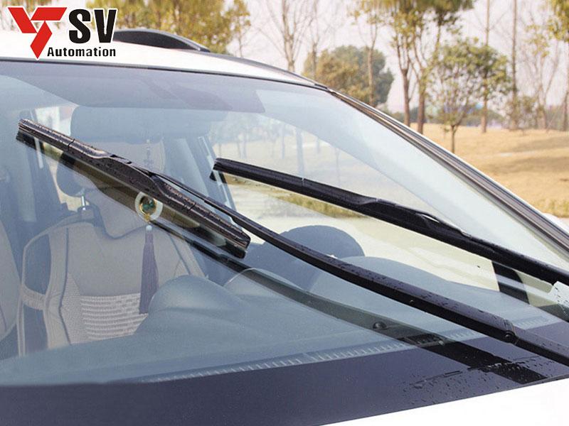 Các bộ phận xung quanh xe như: cần gạt, ăng-ten đều được cắt bằng Laser