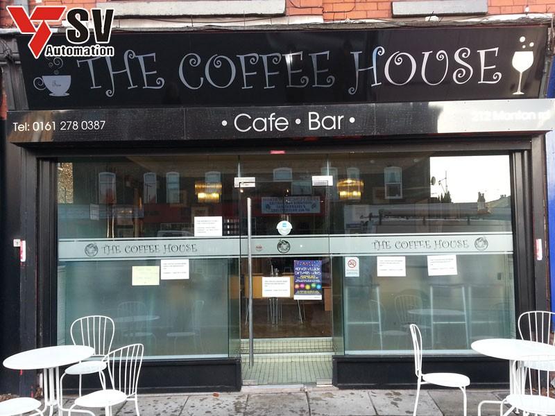 Bạn nên chọn những biển hiệu phù hợp với phong cách quán cà phê của mình