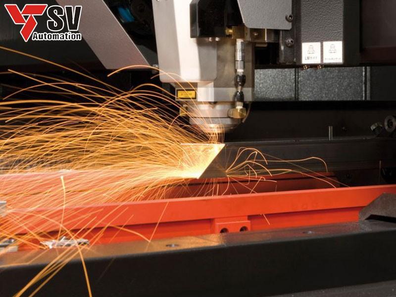 Sơn Vũ chính là cơ sở gia công cắt ống vuông với các độ dày khác nhau