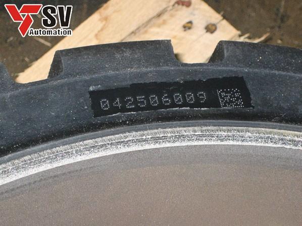Mẫu gia công mã vạch trên cao su được dùng trong lĩnh vực chế tạo ô tô, xe máy