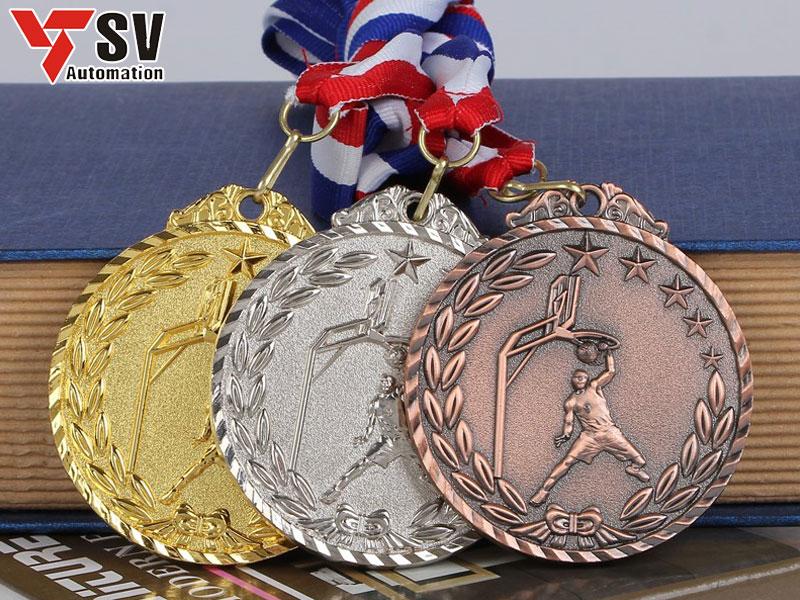 Công nghệ Laser khắc với những họa tiết tỉ mỉ, tạo nét độc đáo và đặc sắc cho huy chương