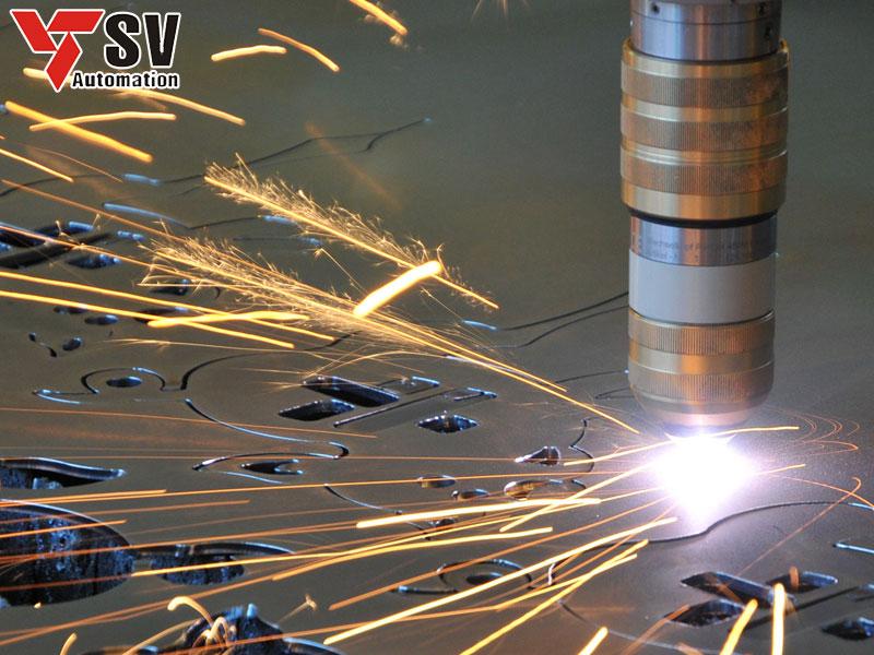 Công nghệ Laser sử dụng chùm tia Laser cường độ cao để cắt, khắc vật liệu