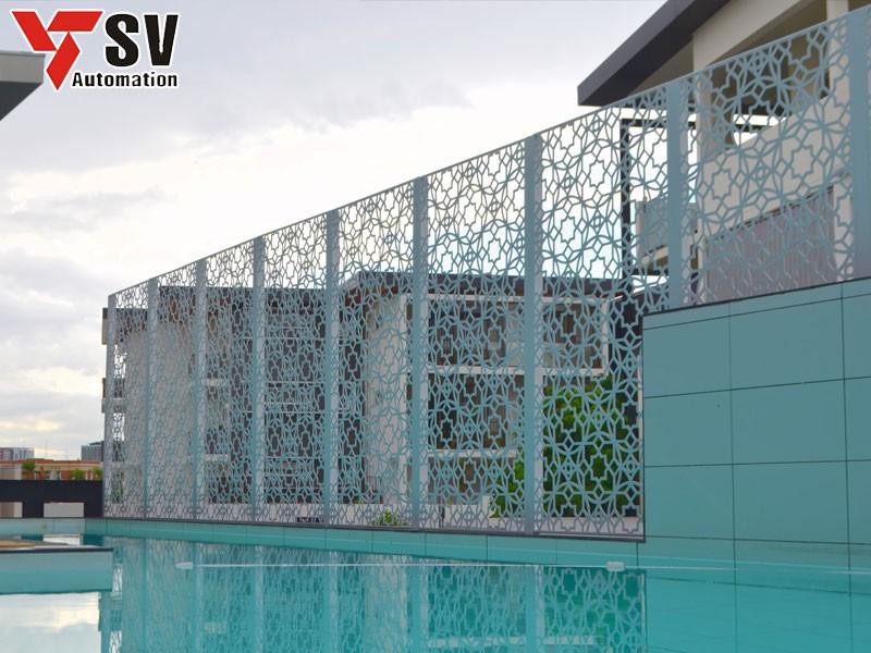 Mẫu vách ngăn hồ bơi độc đáo với các đường nét tỉ mỉ nhờ công nghệ cắt Laser